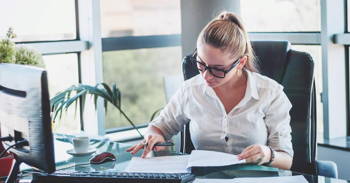 revisor eller bogholder udfører årsregnskab